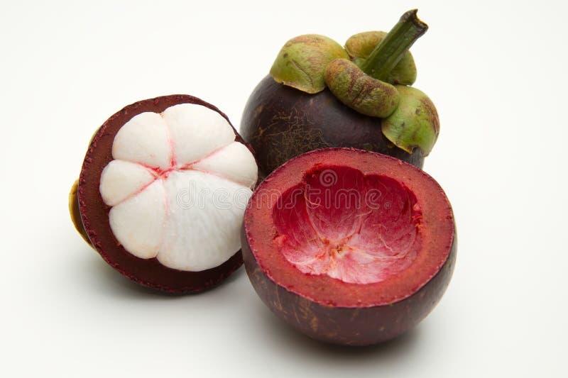 Mangostanfrucht getrennt stockfotos
