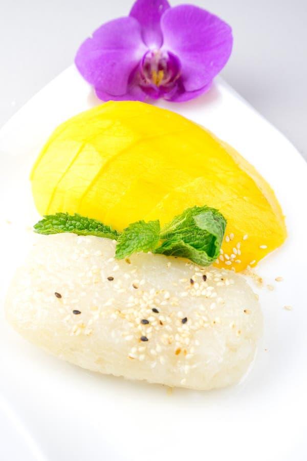 Mangowy i Kleisty Rice sławny deser w Tajlandia obraz stock