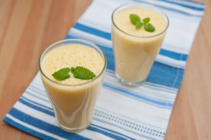 Mangowy Lassi Smoothie fotografia stock