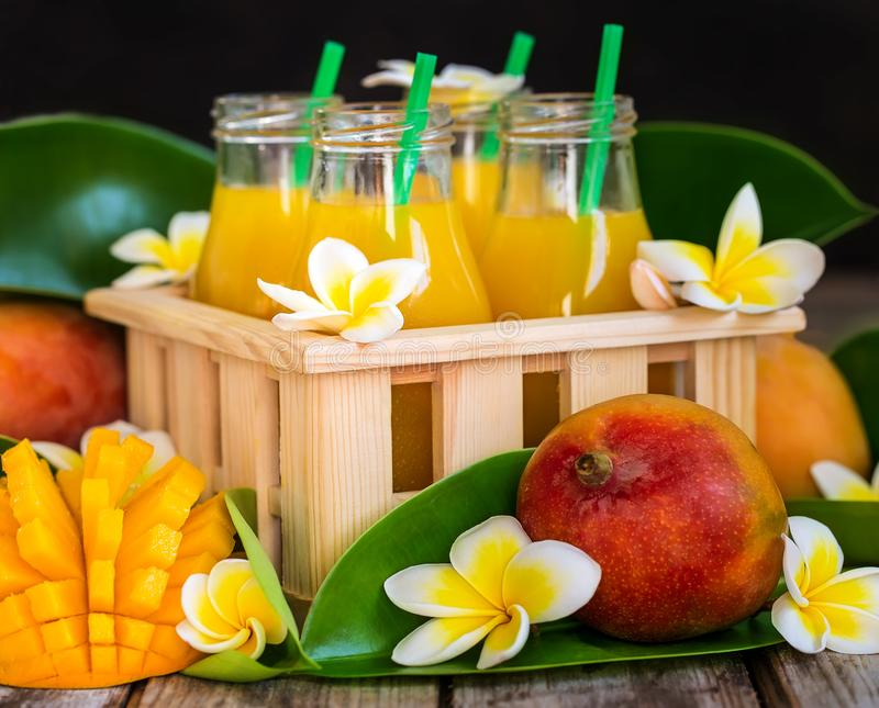 Mangowy sok fotografia stock