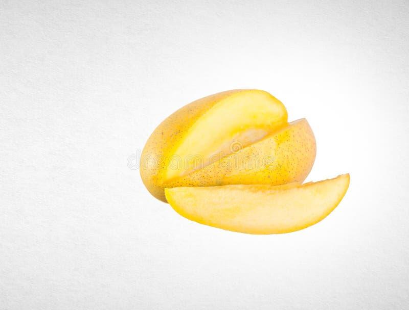 mangue ou mangue jaune sur un fond photos libres de droits