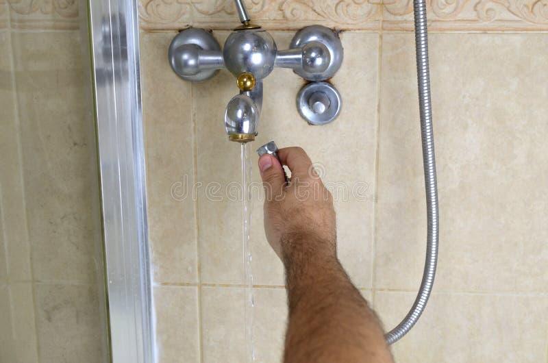 Manguera de ducha cambiante foto de archivo libre de regalías