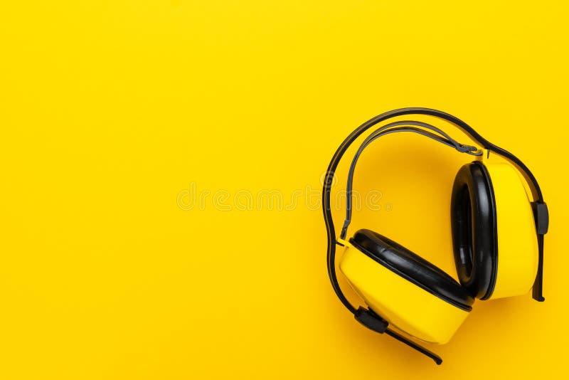 Manguitos del oído de la protección de oído fotografía de archivo