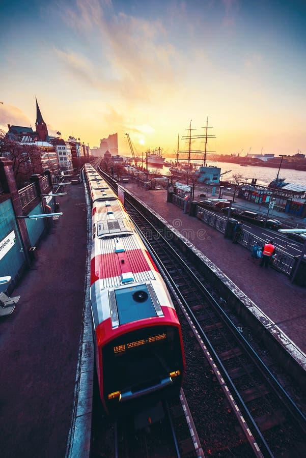 A manhã comuta em Hamburgo fotos de stock