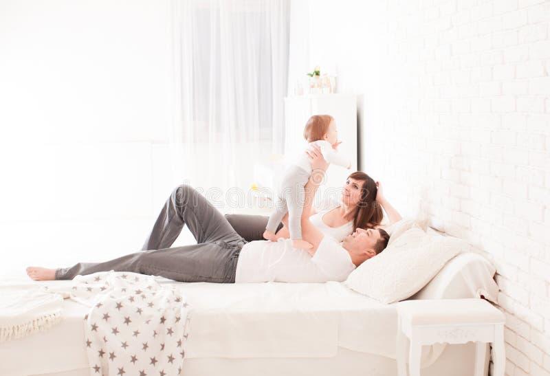Manhã na cama foto de stock royalty free