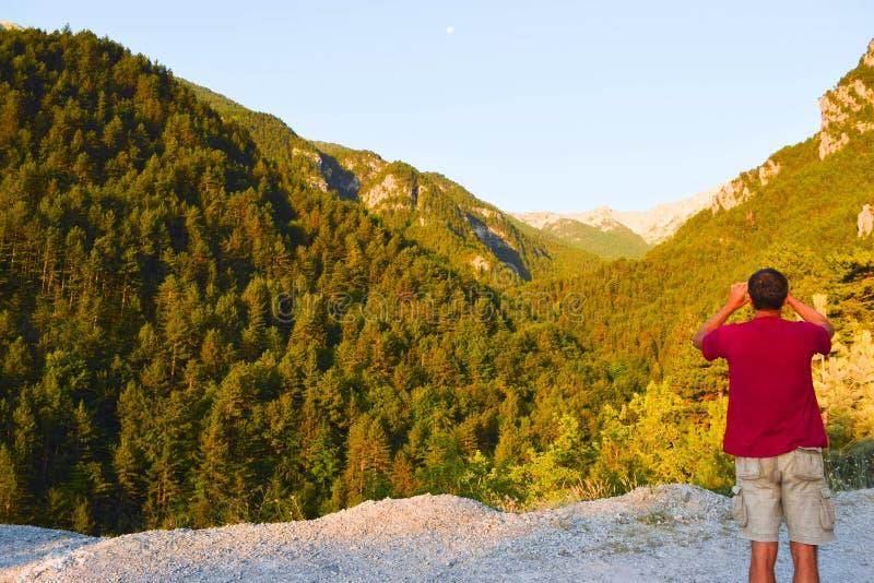 Manhã nas montanhas de Olympus, Grécia imagem de stock