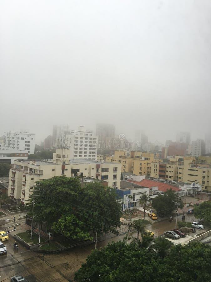 Manhã nebulosa de Barranquilla Colômbia do dia imagem de stock royalty free