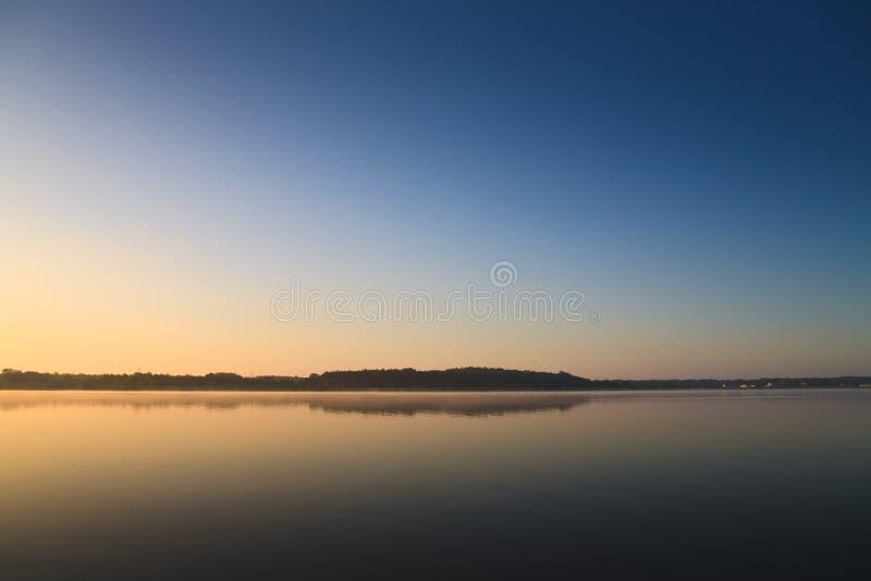 Manhã no lago fotos de stock royalty free