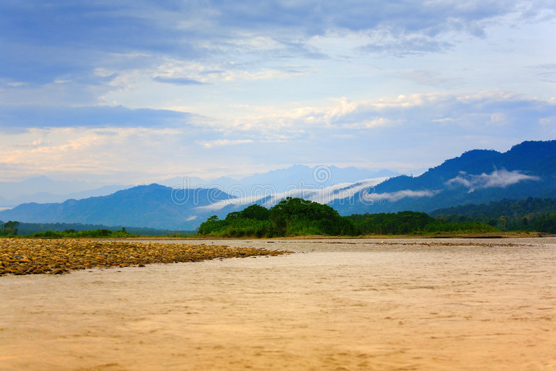 Manhã no rio de Manu foto de stock royalty free