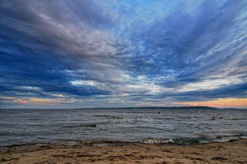 Manhã no Rio Volga foto de stock