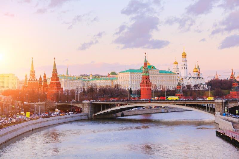 Manhã sobre o Kremlin de Moscou fotos de stock