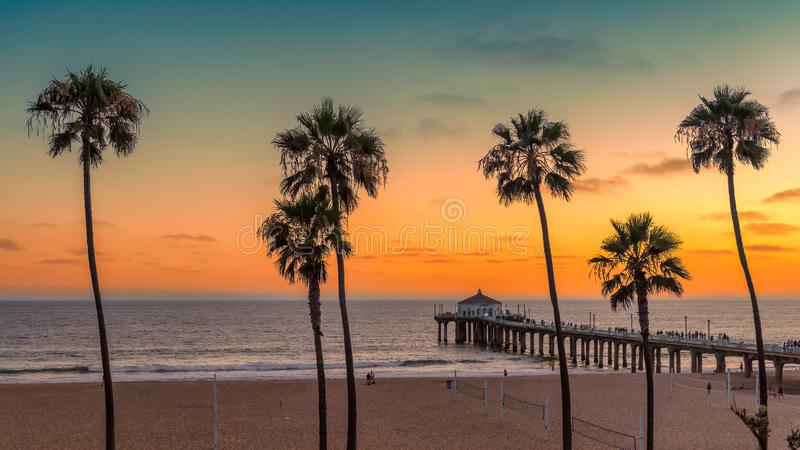 Manhattan Beach på solnedgången i Kalifornien royaltyfri bild