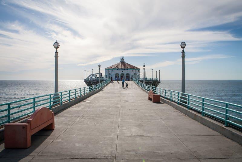 Manhattan Beach pir fotografering för bildbyråer