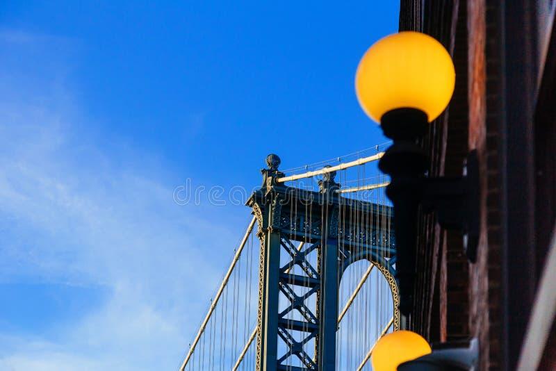Manhattan-Brücke der blaue Schatten, New York stockbilder
