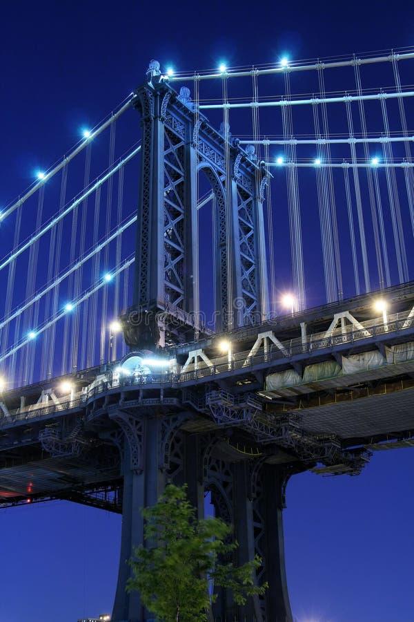 Manhattan bridge noc fotografia stock