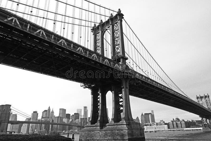 Manhattan bro som förbinder till Brooklyn royaltyfri fotografi