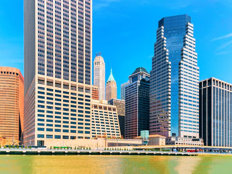Manhattan centrum över East River New York City USA arkivbild
