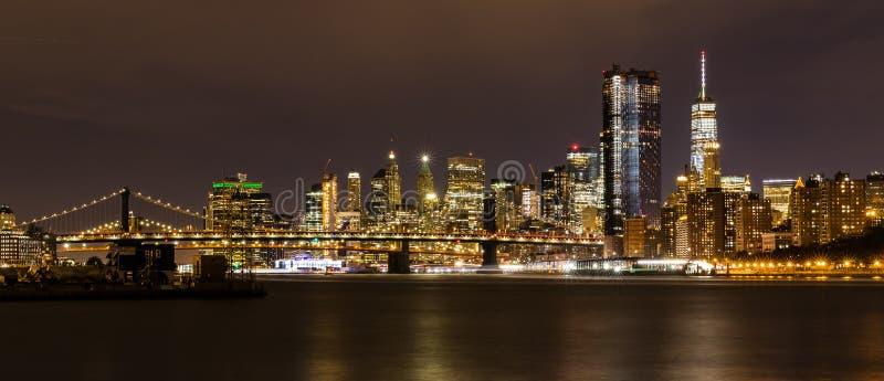Manhattan de Stad 's nachts van van Brooklyn, New York, de V.S. royalty-vrije stock foto