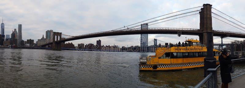 Manhattan drapacz chmur i most brooklyński w Miasto Nowy Jork, usa zdjęcie stock