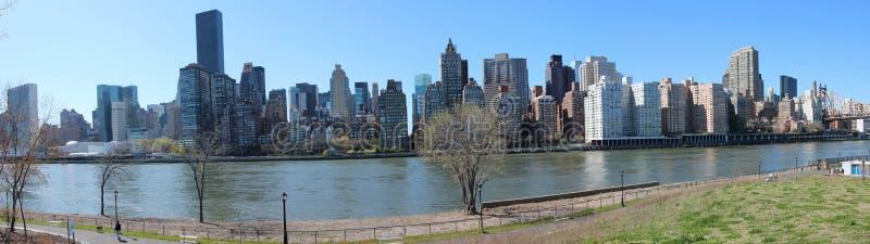 Manhattan-eastside Panorama lizenzfreie stockbilder