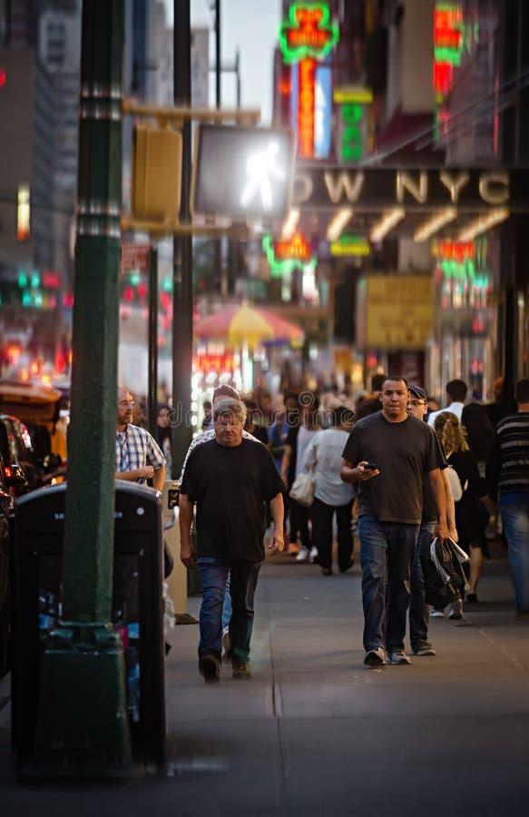 Download Manhattan gataplats redaktionell foto. Bild av mass, flyttning - 78730350