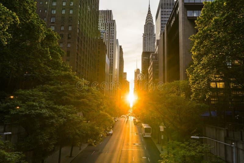 Manhattan Henge arkivfoto
