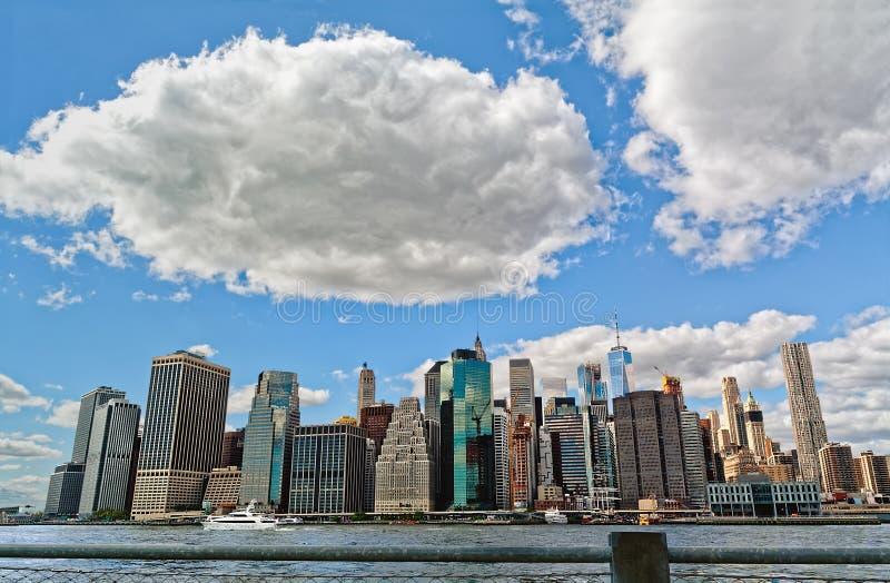 Manhattan linia horyzontu i chmury, Miasto Nowy Jork, usa zdjęcia royalty free