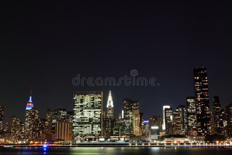 Download Manhattan Linia Horyzontu Przy Nocą, Miasto Nowy Jork Obraz Stock - Obraz złożonej z architektury, metropolita: 28953855