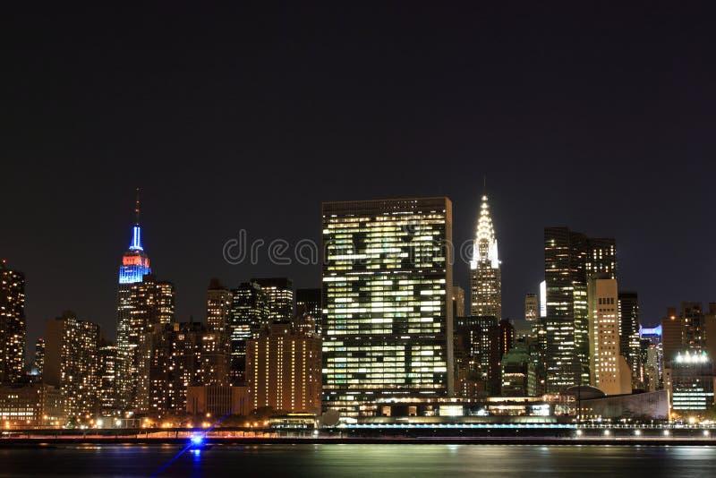 Download Manhattan Linia Horyzontu Przy Nocą, Miasto Nowy Jork Obraz Stock - Obraz złożonej z metropolia, nowy: 28953859