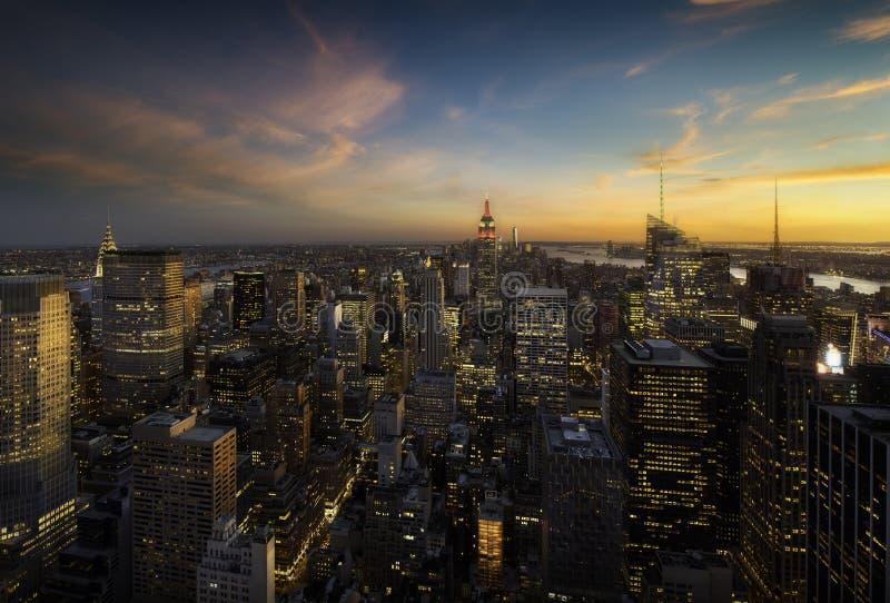 Manhattan linia horyzontu przy zmierzchem, Nowy Jork fotografia stock