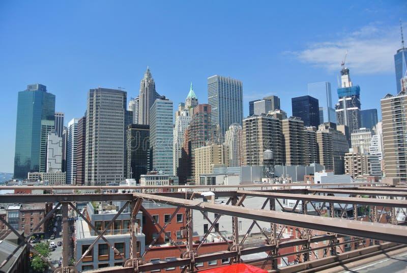 Manhattan nach Brooklyn stockfotos