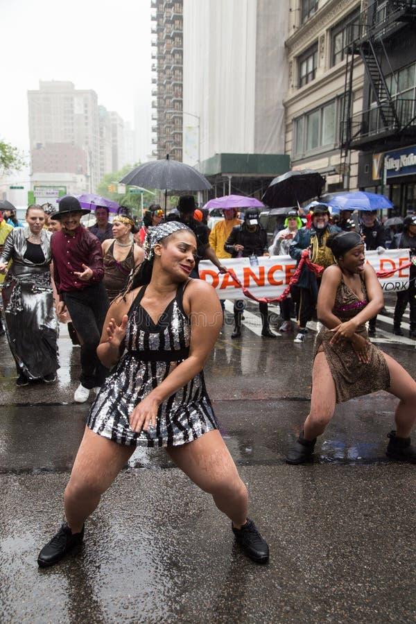 Manhattan New York City, Maj 19, 2018 - den årliga New York dansen ståtar arkivbilder