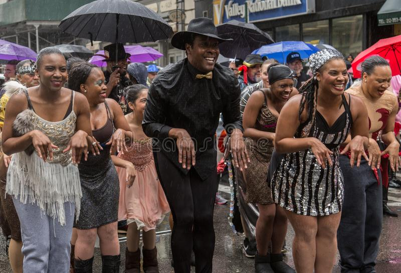 Manhattan New York City, Maj 19, 2018 - den årliga New York dansen ståtar royaltyfri fotografi