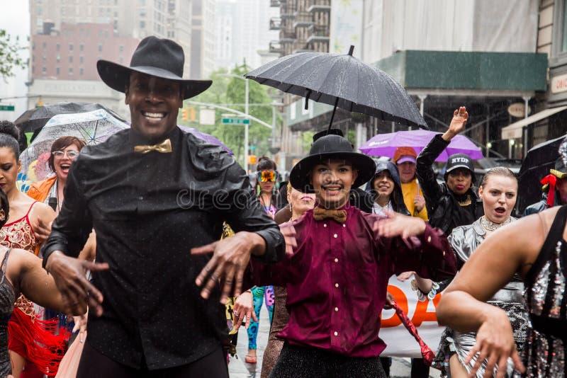 Manhattan New York City, Maj 19, 2018 - den årliga New York dansen ståtar arkivbild