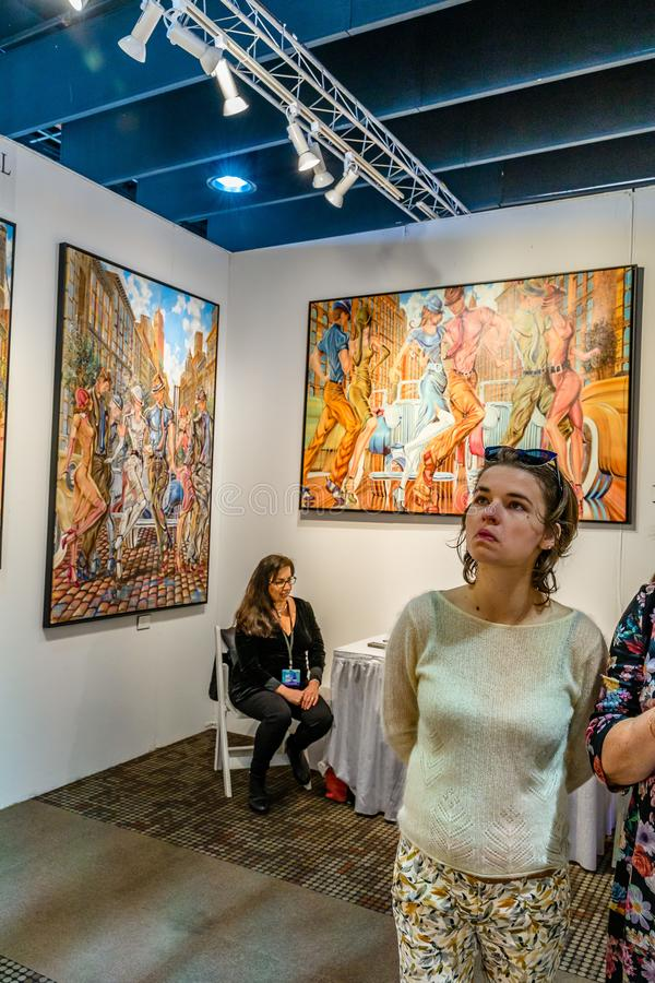 Manhattan New York City, NY, Förenta staterna - April 7, 2019 Artexpo New York, modern och samtida konstshow, pir 90 NYC royaltyfri foto
