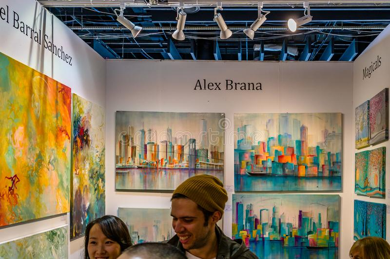 Manhattan New York City, NY, Förenta staterna - April 7, 2019 Artexpo New York, modern och samtida konstshow, pir 90 NYC royaltyfri bild