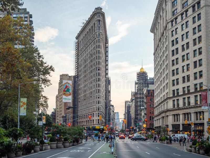 Manhattan, New York City, United States of America : [ Flatiron Fuller building built by Daniel Burnham, Madison Square Plaza ].  stock photos