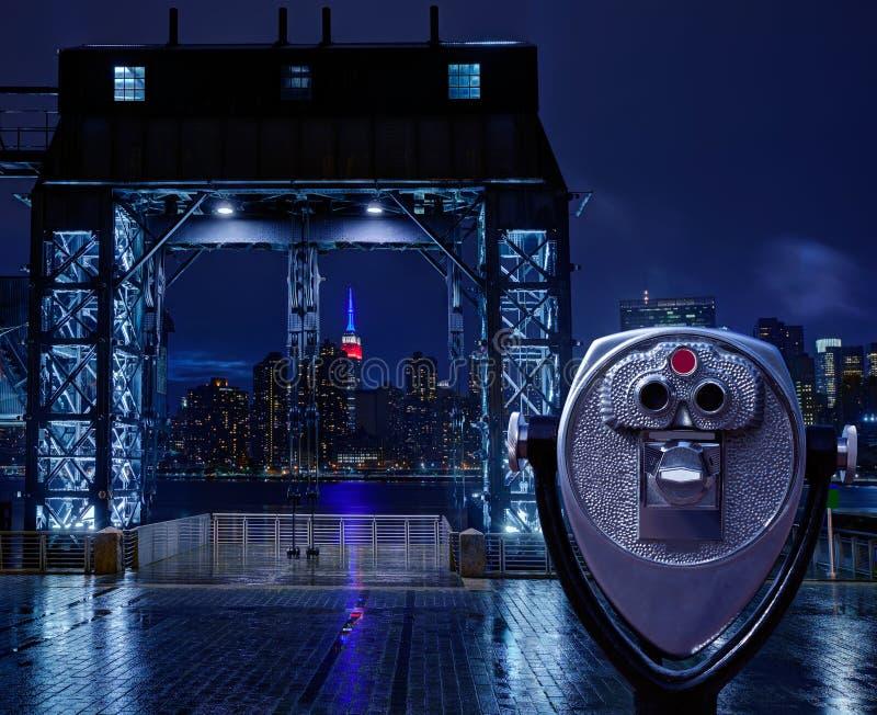 Manhattan Nowy Jork linii horyzontu dżdżysta Wschodnia rzeka obrazy royalty free