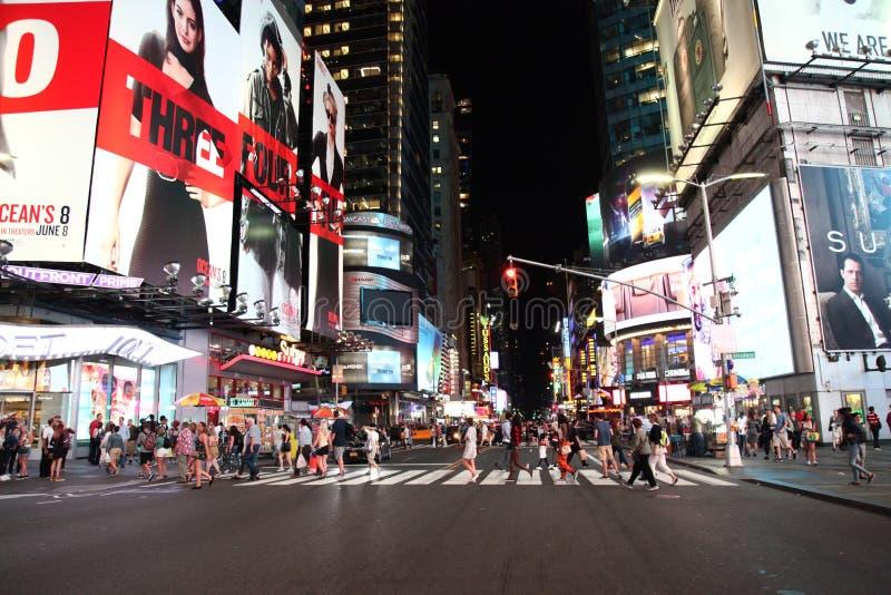 Manhattan, Nowy Jork, usa CZERWIEC 15, 2018: Ludzie wizyty na ulicznym Ti obraz royalty free