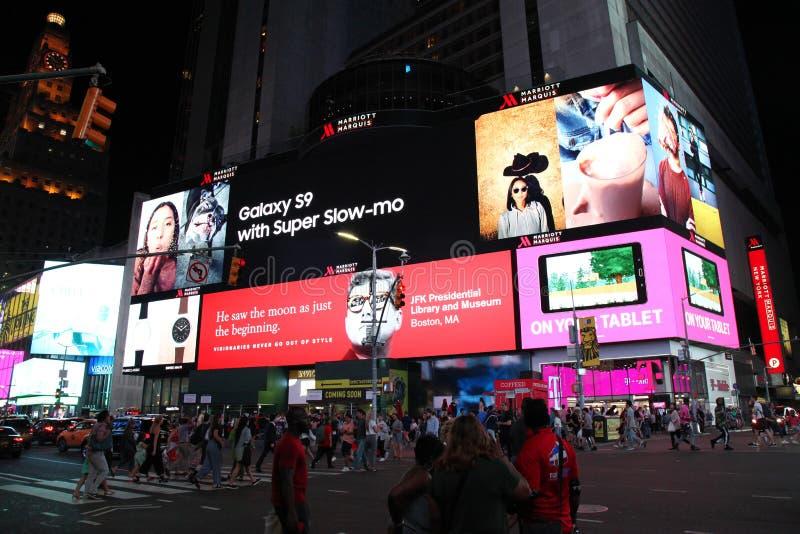 Manhattan, Nowy Jork, usa CZERWIEC 15, 2018: Ludzie wizyty na ulicznym Ti zdjęcie royalty free