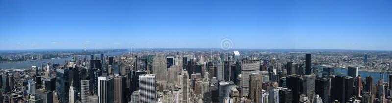 Download Manhattan panoramique photo stock. Image du chrysler, neuf - 74004