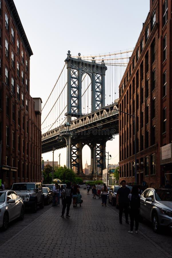 Manhattan Przerzuca most widzii od Waszyngtońskiej ulicy, Brooklyn, Nowy Jork zdjęcia royalty free