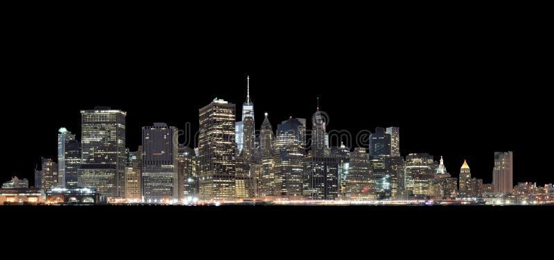 Manhattan skyline à noite isolada em preto imagem de stock royalty free