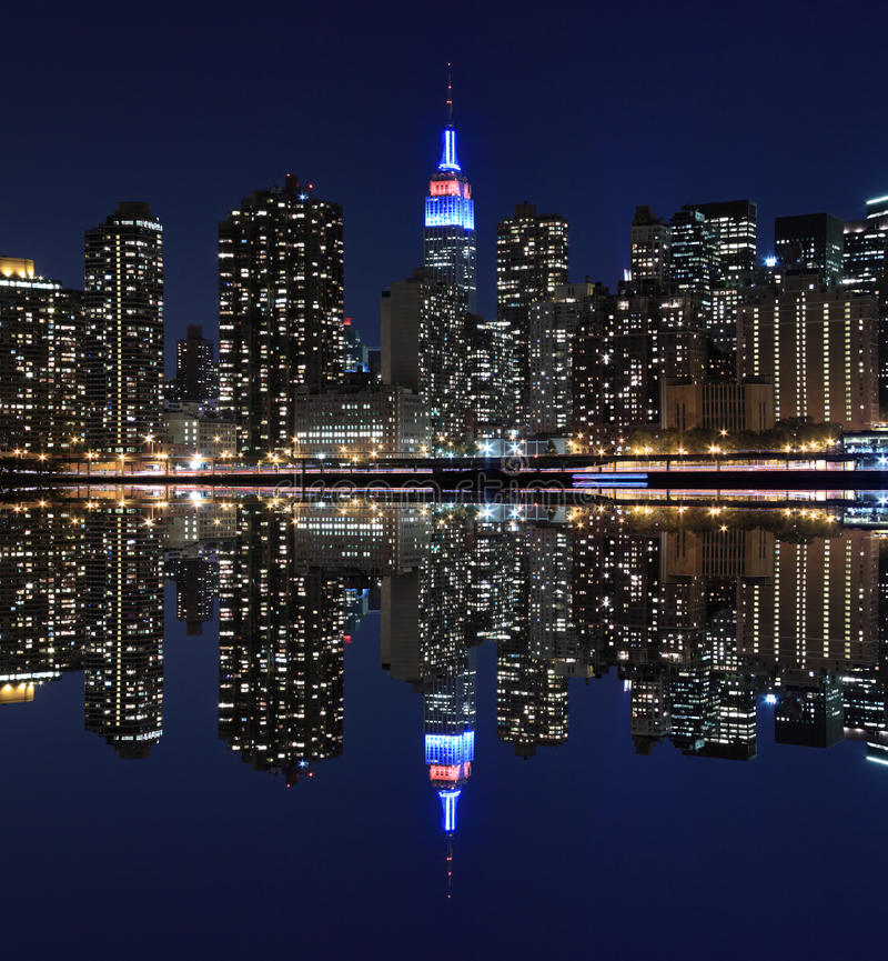 Manhattan-Skyline an den Nachtlichtern, New York City stockbilder