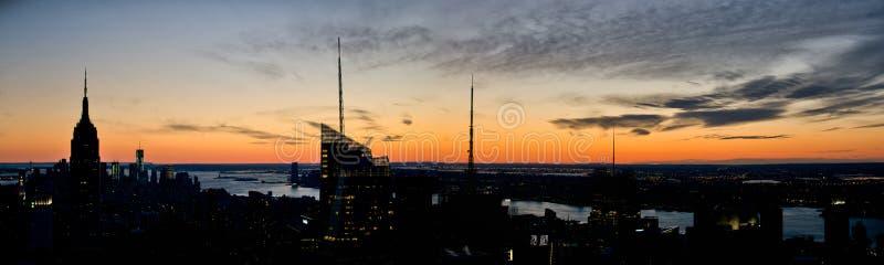 Manhattan solnedgångpanorama arkivbilder