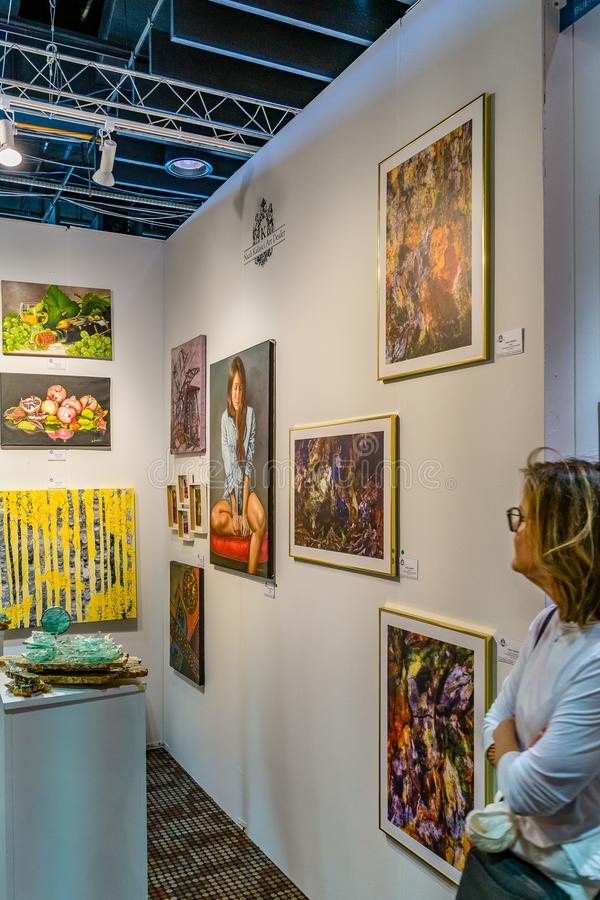 Manhattan, Stad van New York, NY, Verenigde Staten - April 7, 2019 de kunsttentoonstelling van Artexpo New York, modern en eigent stock afbeelding