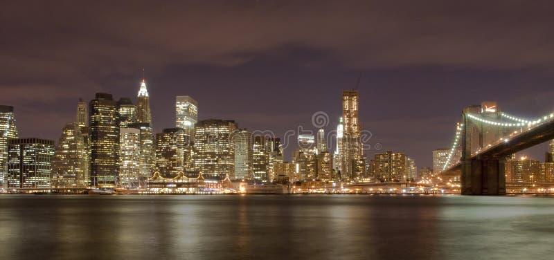 Manhattan und Brooklyn-Brücke lizenzfreies stockfoto