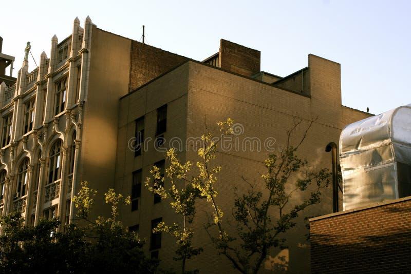 Manhattan-Wohngebäude reflektiert Sonnenlicht lizenzfreie stockfotos