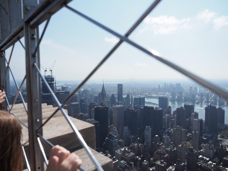 Manhattan zoals die van het Empire State Building wordt gezien royalty-vrije stock foto's
