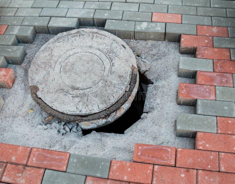 Manhole w budowie obraz stock